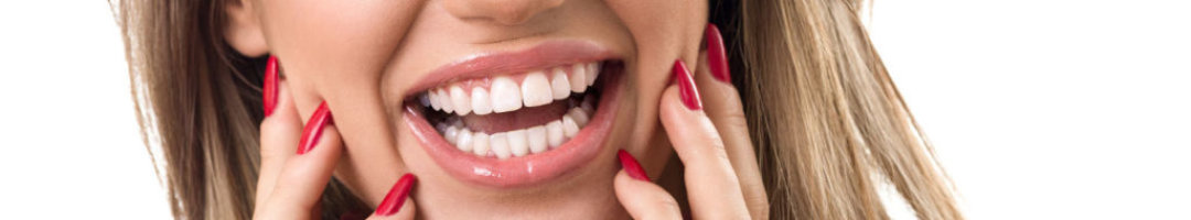 cosmetic dentistry image of lady smiling